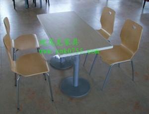 分体快餐桌椅厂家 快餐桌椅供应商 最低价格的快餐桌椅