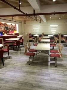 深圳高品质快餐桌椅专业定做 购买小吃店快餐厅桌椅 深圳优尼克欢迎您